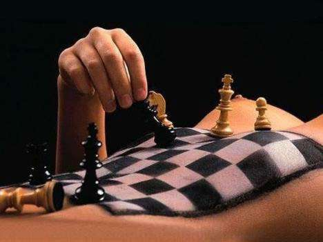 sexy_chess_004.jpg